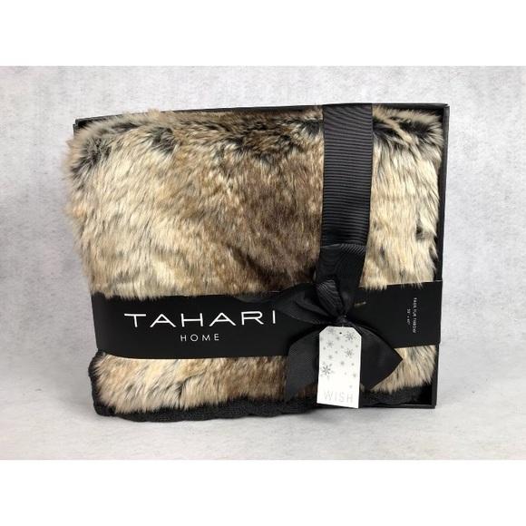 Tahari Other Home Faux Fur Chinchilla Throw Blanket Poshmark Fascinating Tahari Throw Blanket